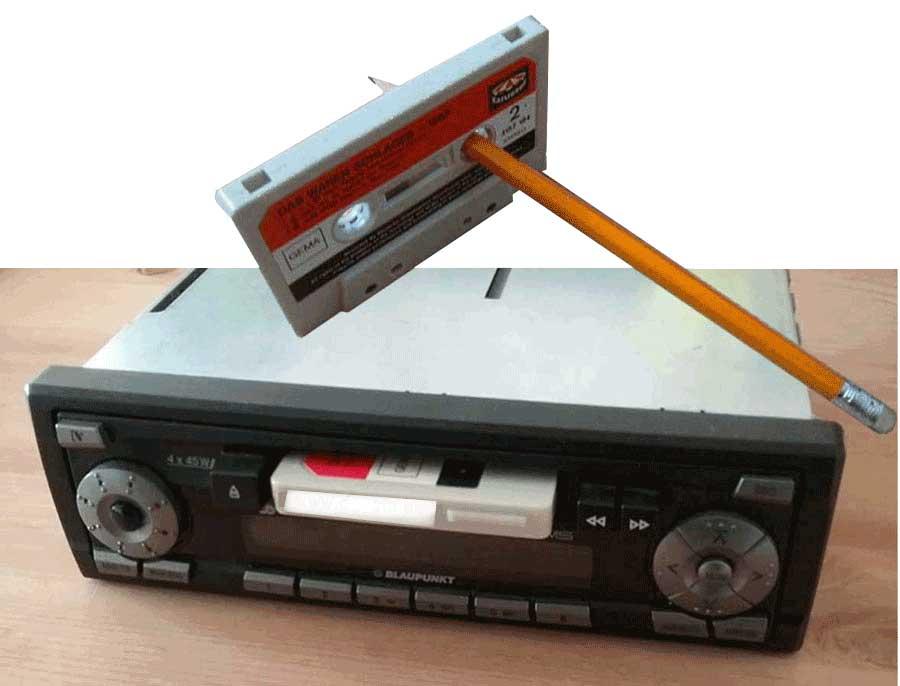 Tausche LPs, Vinyl gegen ein Kassetten Autoradio