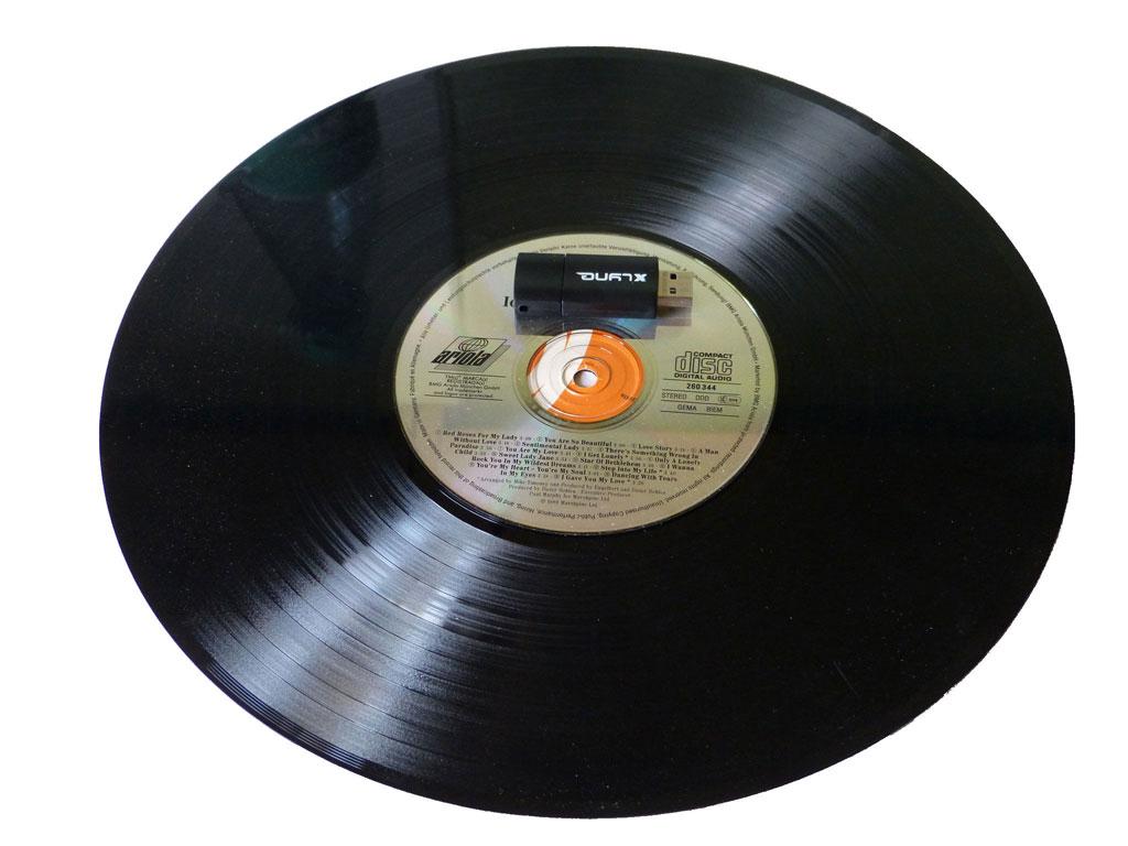 Vergleich Schallplatte zu CD zu Stick