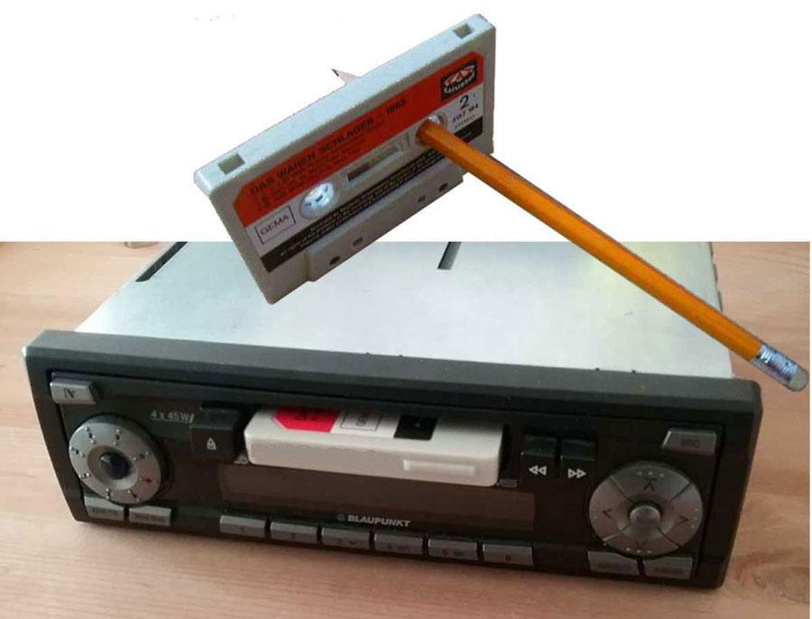 Tausche Schallplatten gegen ein Radio mit Kassettenplayer